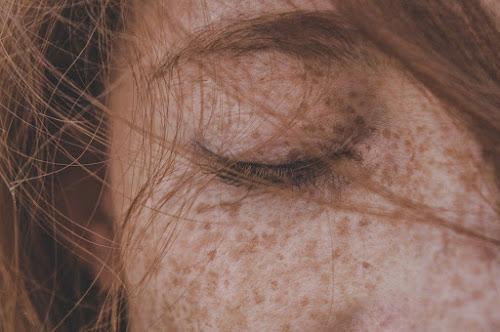 Kosmetyki i zioła pogrubiające włosy