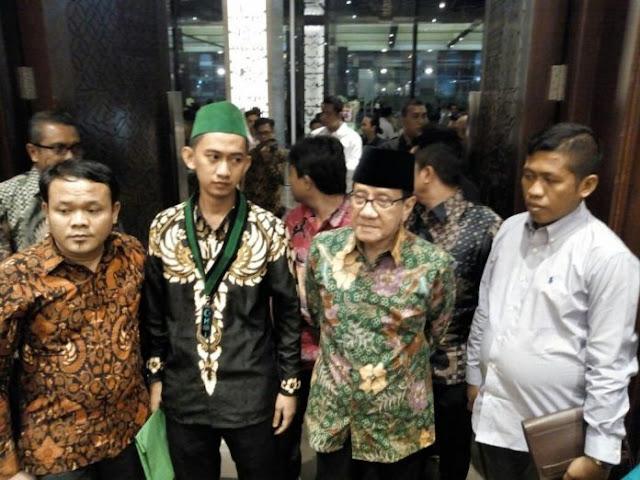 Foto Asusila Diduga Ketum PB HMI Sudah Dilihat, Ternyata Ini Respon Akbar Tanjung