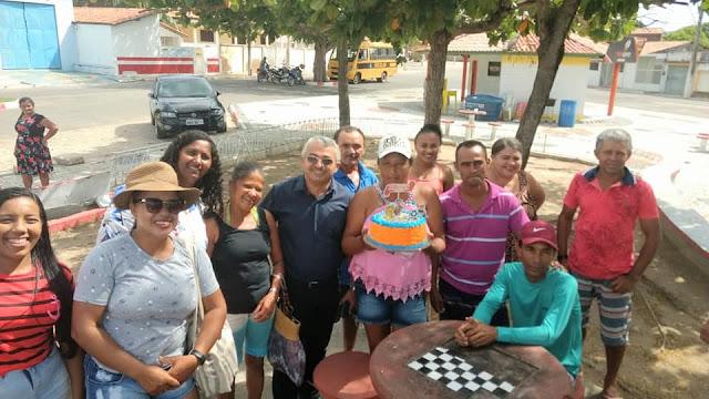 Prefeitura de Olho d' Água do Casado comemora o 'Dia do Gari' com um belo passeio ao Complexo de Lazer do Castanho