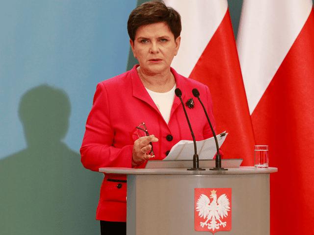 Líder polonesa faz ligação de imigrantes com terrorismo