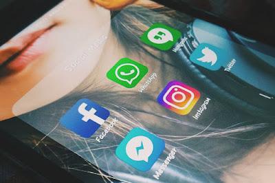 Pemerintah Batasi Akses Sosial Media