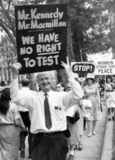 linus pauling protesto contra testes nucleares