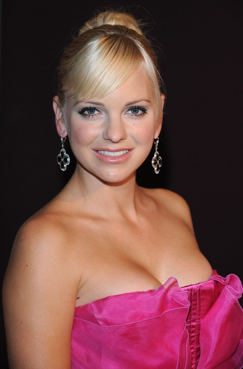 Anna Faris the scary movies actress very hot look in a ...
