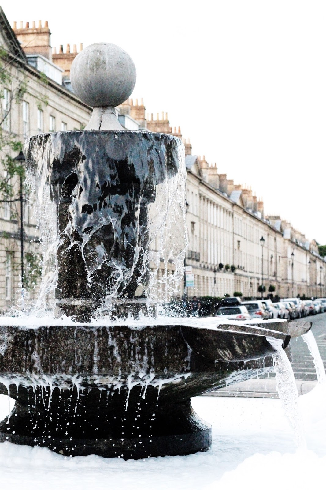 Great Pulteney Street fountain in summer at night