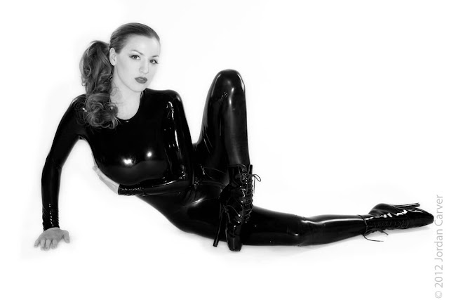 Jordan-Carver-Sandine-Hot-Photoshoot-in-Catsuit-35636