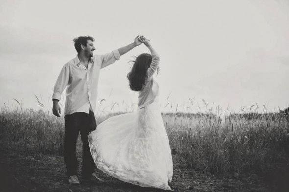 book-externo-bodas-papel-noivos-dancando