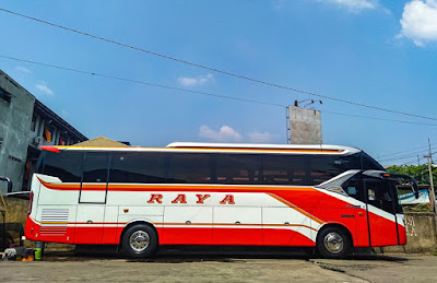 Foto Bus Raya Super Top