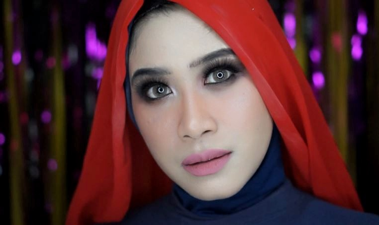 Mustika Ratu Beauty Queen High Coverage Foundation Dewy Finish