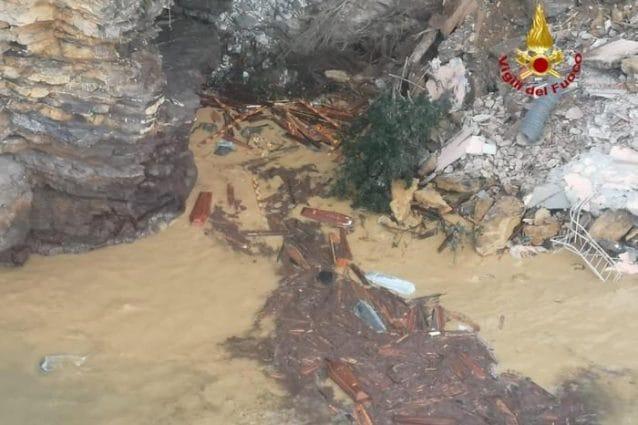 Camogli: la frana del cimitero che ha portato numerose bare in mare. Interviene la SIGEA [VIDEO]