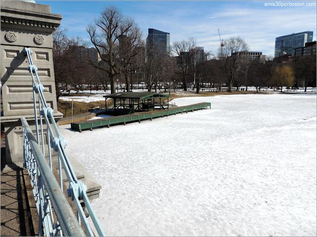 Puente y Lago del Boston Public Garden
