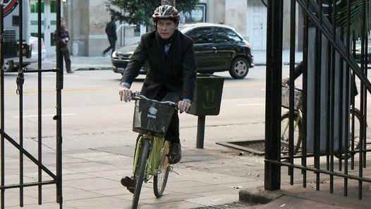 Vas A Viajar Al Extranjero La Sre Emite: Los Fondos Extranjeros Que Se Subieron A La Bicicleta