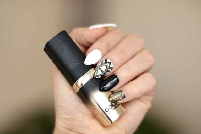 Gold, White & Black Nails - Happy New Year !!!
