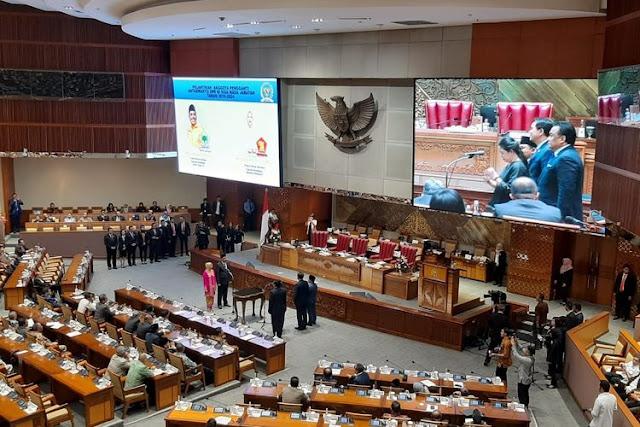 Ketua DPR RI Lantik Dua Anggota Pengganti Edhy Prabowo dan Zainuddin Amali