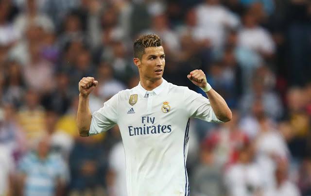 Cristiano Ronaldo Dinobatkan sebagai Pemain Terbaik Dunia FIFA Tahun Ini