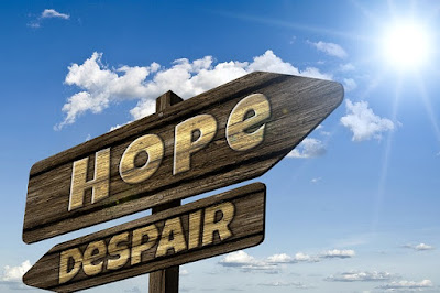 Lukislah Harapanmu dan Biarkan Allah yang Menggariskannya untukmu