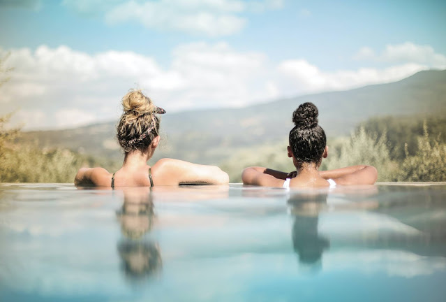 Vlasy v cope, alebo drdole sú vhodné pri kúpaní v bazéne a mori