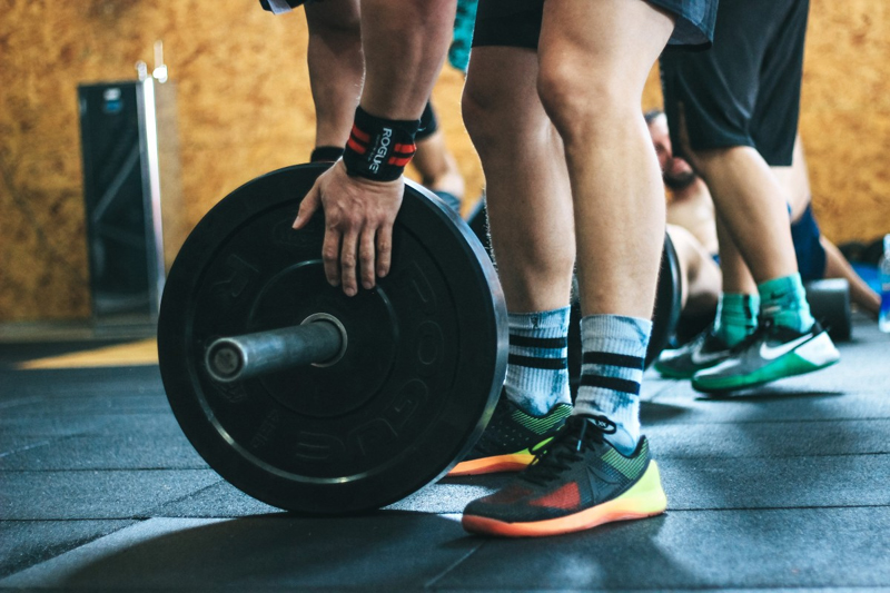 5 Ways To Reduce Muscle Soreness After Lifting Weights