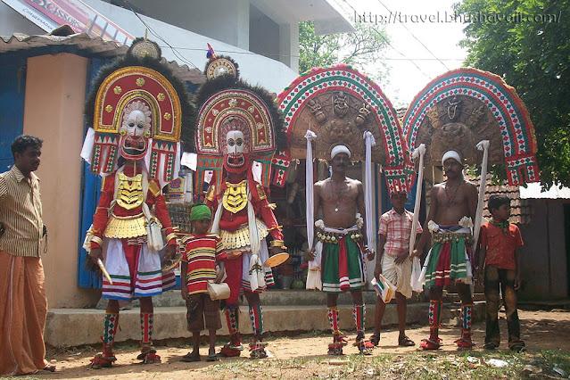 Thiyyam dancers in Palakkad, Kerala