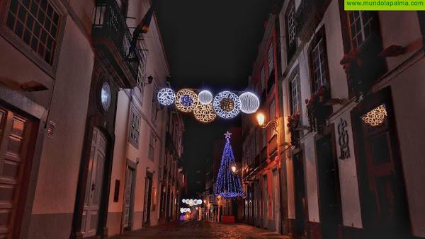 Santa Cruz de la Palma anuncia la Navidad con su tradicional acto de encendido de luces y el pregón a cargo de Tajadre