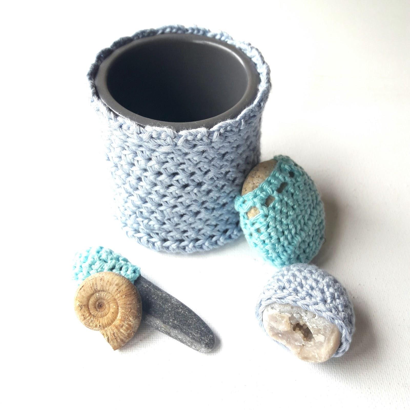 nathalie m sc more 381 petit crochet pour ma salle de bain. Black Bedroom Furniture Sets. Home Design Ideas