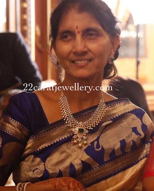 Nithin Mother Vidhya Diamond Jewellery