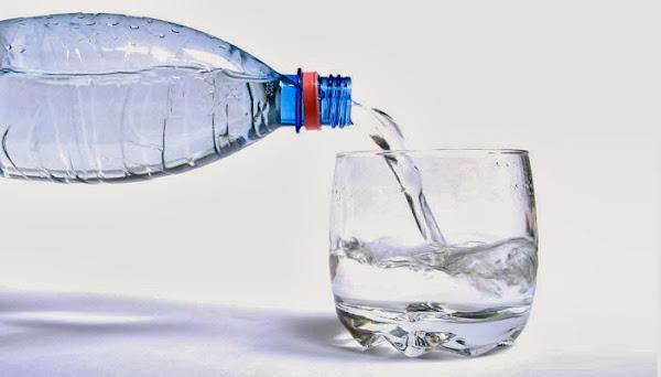 هل يفسد الماء بمرور الوقت وكيفية تخزين المياه بطريقة صحيحة