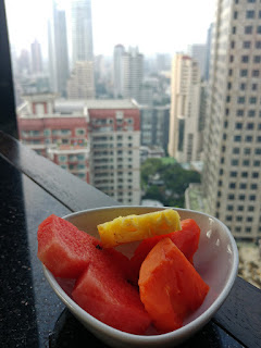 The Continent Hotel Bangkok Restaurant Medinii fruits