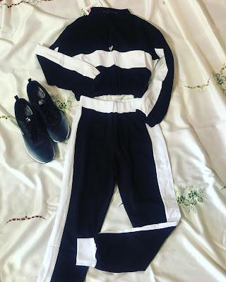 Black-contrast-stripe-cropped-loungewear-femmeluxefinery