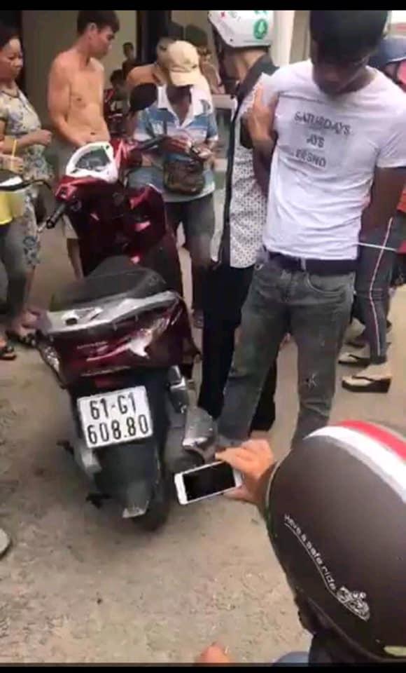 Cô gái sống ảo: Được hiệp sĩ bắt cướp trả lại xe máy không lời cảm ơn