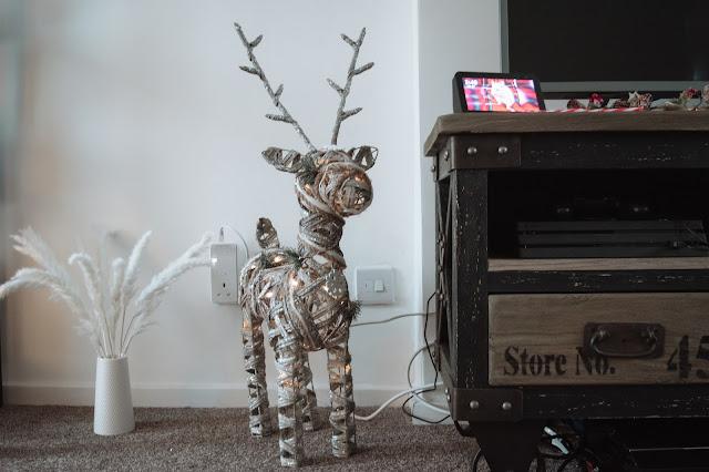 Rustic wooden light-up reindeer decoration