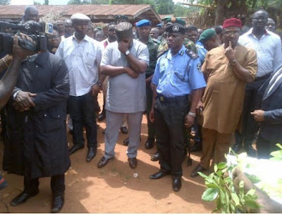 Governor Ifeanyi Ugwuanyi of Enugu state reflect in sober as he visit  Ukpabi, Nimbo, in Uzo-Uwan site of the herdsmen attack.