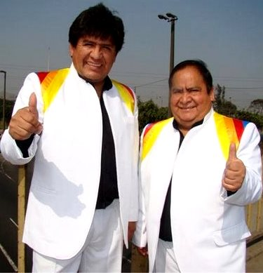 Foto de Los Shapis  (Jaime y Chapulín) felices