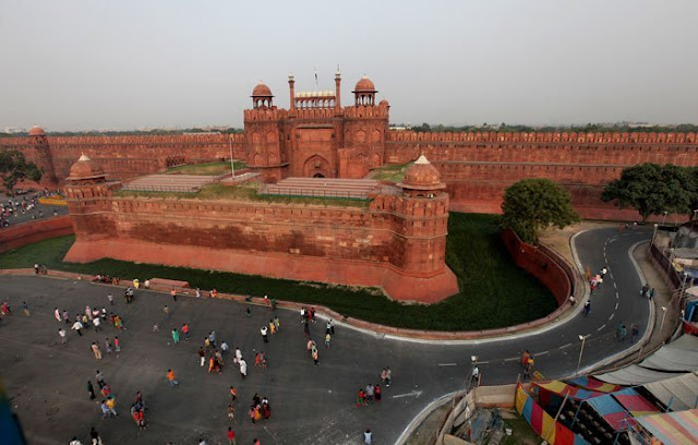 Places to Visit in DELHI & AGRA in 4 Days
