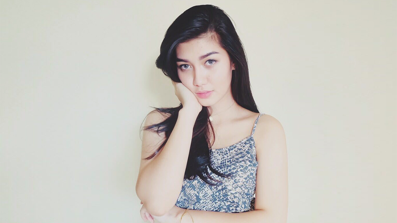 Aura Nabilla Izzathi  artis cantik wajah mulus