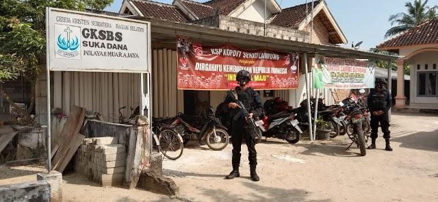 Brimob Lampung Berikan Himbauan Dan Membagikan Masker