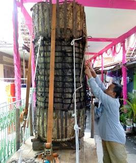 Inilah Penampakan Dua Lopis Raksasa Dalam Tradisi Syawalan Di Kota Pekalongan
