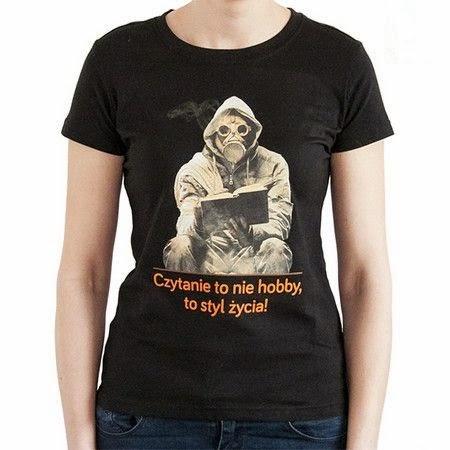 d55987db0 które jest dopasowanym do grafiki motywem przewodnim T-shirtu. Koszulki są  dostępne w wersji damskiej (w rozmiarach S, M, L, XL) oraz męskiej (w  rozmiarach ...