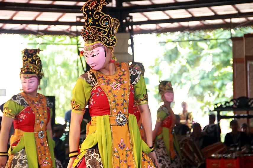 Tari Kedok Ireng, Tarian Tradisional Dari Jawa Barat