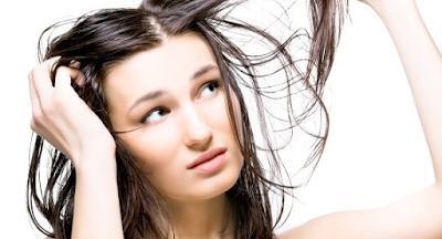 Cara Mudah Mengatasi Rambut Lepek   Roliyan.com