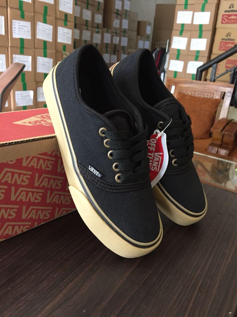 Pusat Grosir Sepatu Tangerang Update 04 07 2018 Termurah Casual Vans Kets Sneakers California Authentic Oldskool Sk8 Kualitas Super