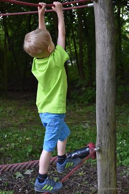 Kinder lieben klettern