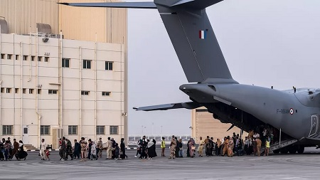 Afghanistan: France will end evacuations on Thursday if the United States maintains the withdrawal of its troops on August 31