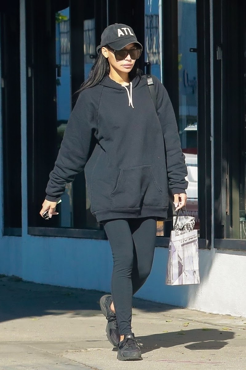 Naya Rivera Clicked Outside  in Los Angeles 15 Dec-2019