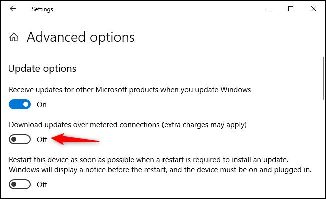 """تأكد من إيقاف تشغيل """"تنزيل التحديثات عبر الاتصالات المحدودة""""."""