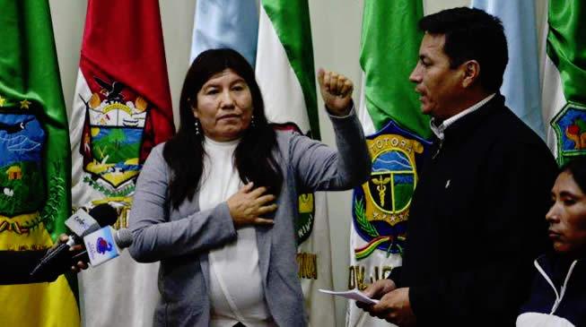 """Gobernadora Soria pone en """"duda"""" la existencia del coronavirus, asegura no tener miedo a la enfermedad"""