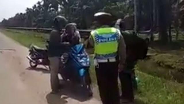 Viral Polisi Hampir Tilang Motor Berboncengan Tiga, Satunya Mayat