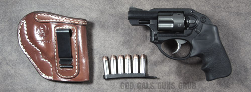 God, Gals, Guns, Grub: Ruger LCR    up close and personal