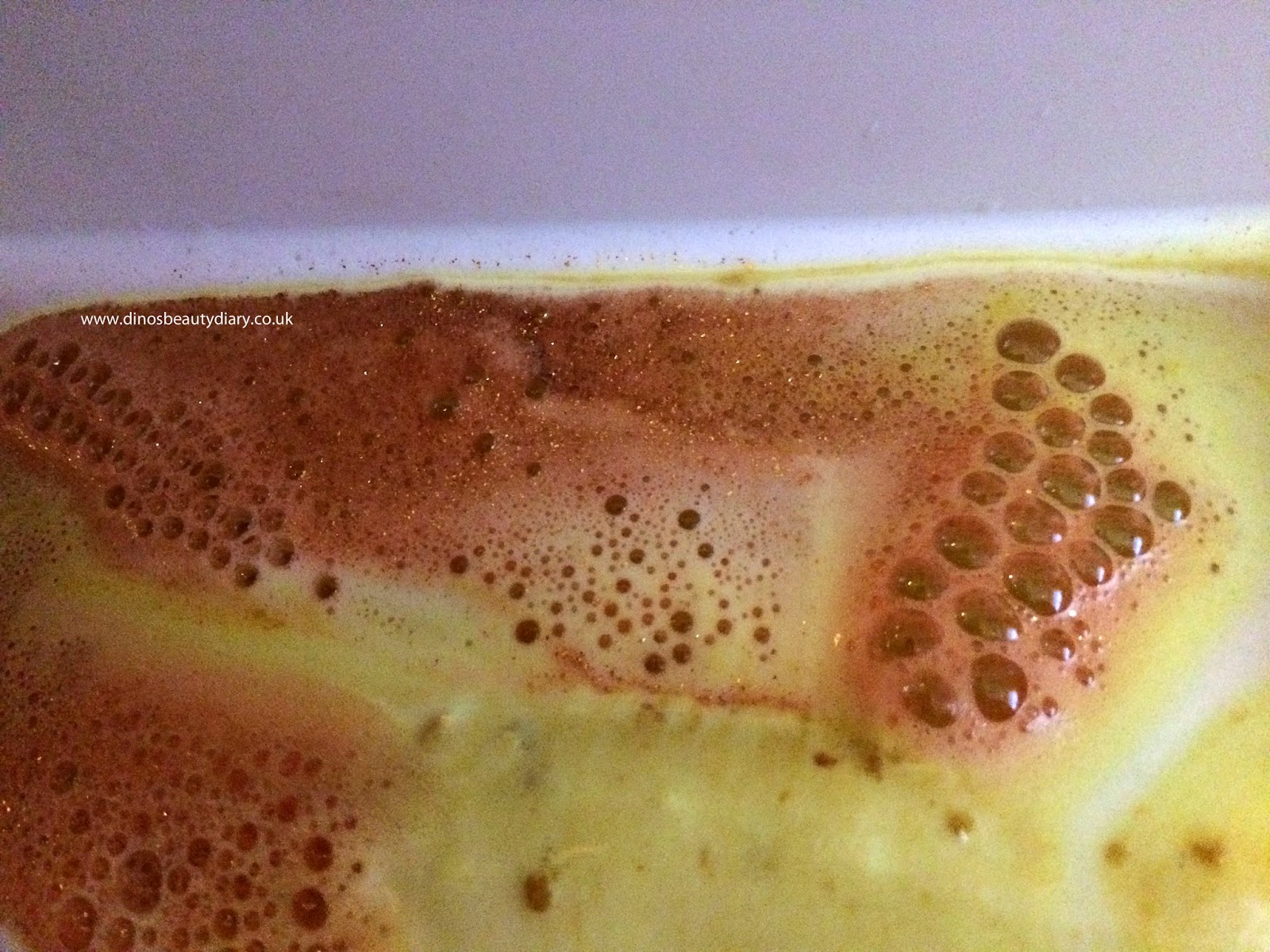 Dino's Beauty Diary - Bath and Body Review - LUSH Sparkler Bath Bomb Review