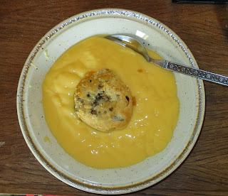 Eccles cake and custard