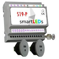 Zestaw do automatyki oświetlenia LED schodów. Inteligentny sterownik schodowy typu FALA ŚWIETLNA 19 LED + 2 schodowe optyczne czujniki odległości i ruchu do LED 12V 100cm